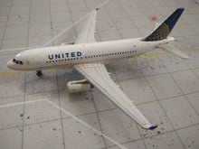 Load image into Gallery viewer, 1:400 GEMINI UNITED A319 N836UA