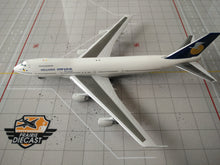 Load image into Gallery viewer, 1:400 AV400 HELLENIC IMPERIAL B747-200 SX-TID