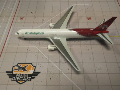 1:400 DRAGON AR MADAGASCAR B767-300 5R-MFG