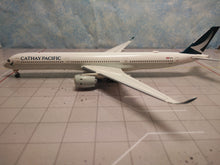 Load image into Gallery viewer, 1:400 AV400 CATHAY PACIFIC A350-1000 B-LXL
