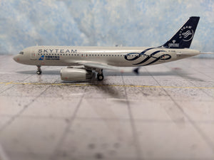 "1:400 PANDA CHINA SOUTHERN A320 B-1696 ""SKYTEAM"""