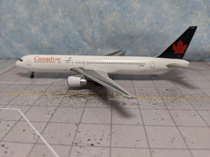 1:400 DRAGON CANADIAN B767-300 C-FPCA