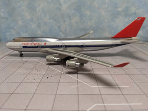 1:400 DRAGON NORTHWEST B747-400 N661US