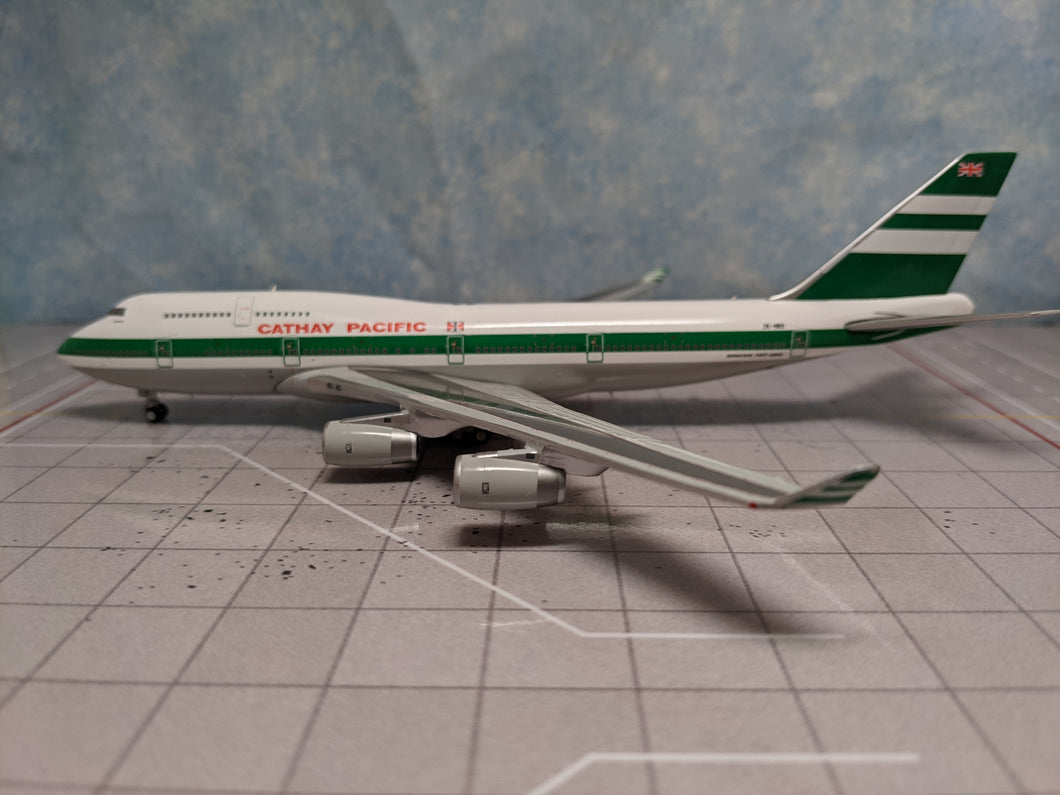 Rare Free Tractor 1:400 Kai Tak Wings Cathay Pacific B747-400 ZK-NBS