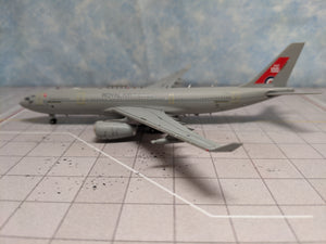 1:400 AV400 ROYAL AIR FORCE A330-MRTT ZZ330