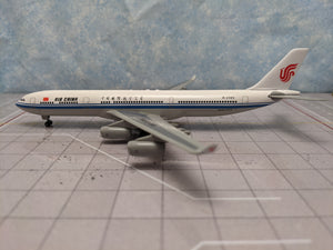 1:400 DRAGON AIR CHINA A340-300 B-2385