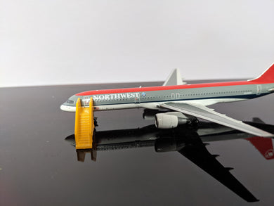 1:400 WINGS400 AIR STAIRS (757) YELLOW