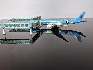 1:400 JC JET BRIDGE WIDEBODY PACK O' 2
