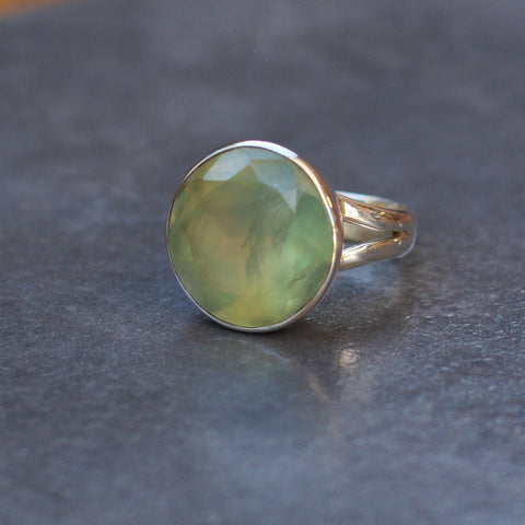 Prehnite and Sterling Silver Round Ring - SilverBellas