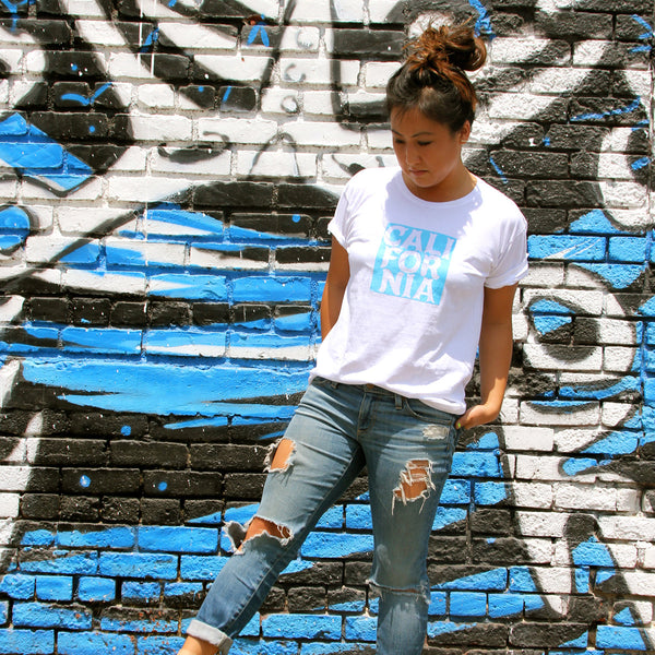 CALIFORNIA - White and Blue - Short Sleeve T-shirt