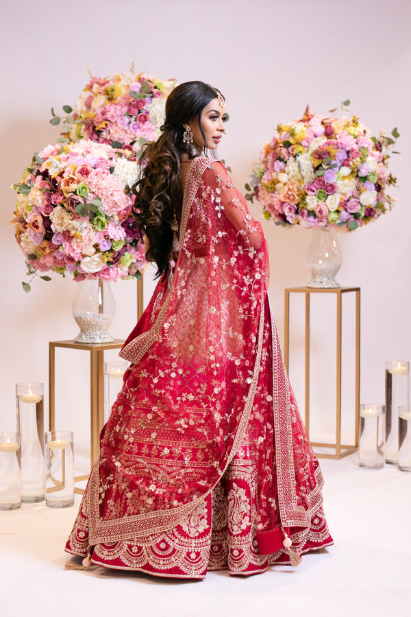 Bridal Ombre baby pink to hot pink to red Lehenga: dupatta