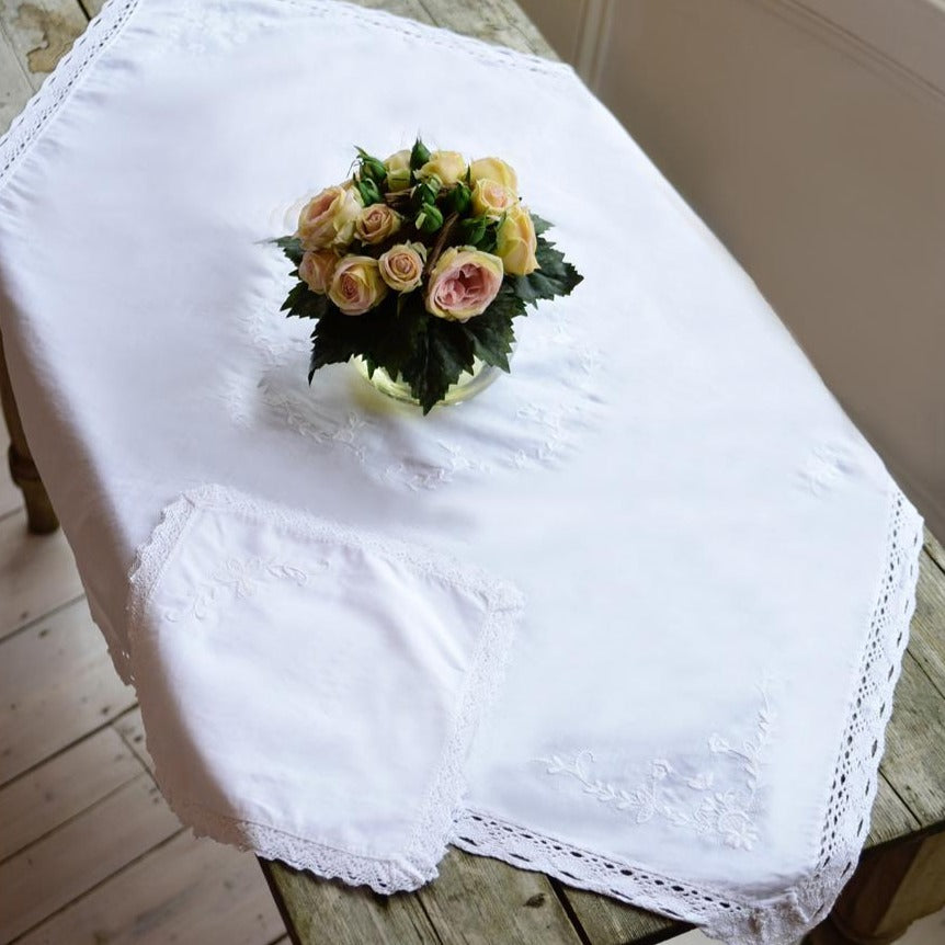 Square Tablecloth And Napkins Set