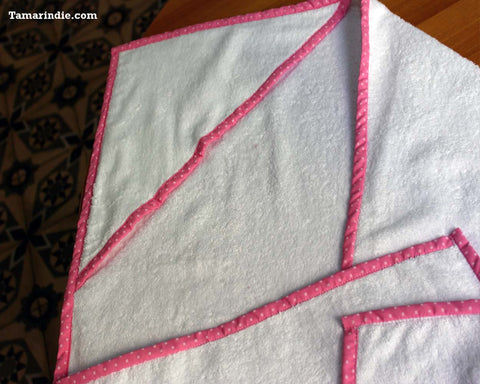 Hooded Pink Baby Towel- Customization Possible|منشفة طفل زهرية