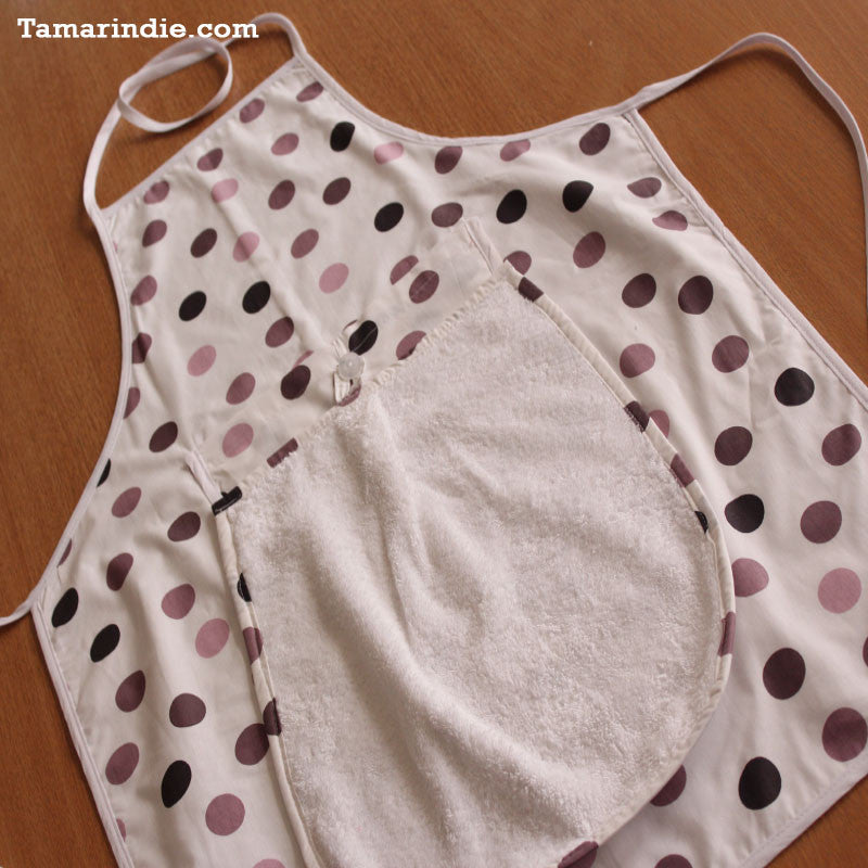 Dotted Kitchen Apron with Detachable Towel|مريول مطبخ مرقط مع منشفة متحركة
