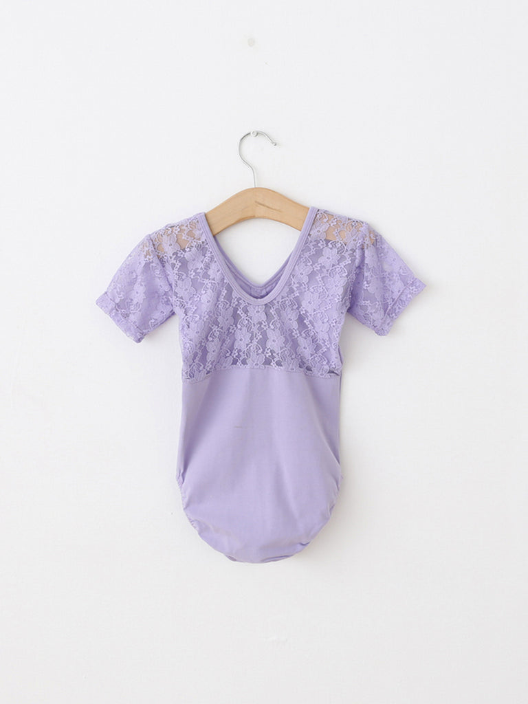 Short-sleeved lace neckline lightweight and breathable tutu