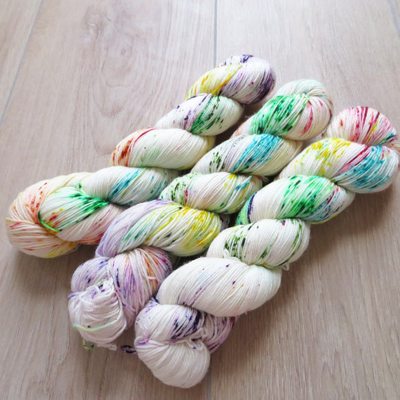 Quirky Rainbow – Smooth Sock