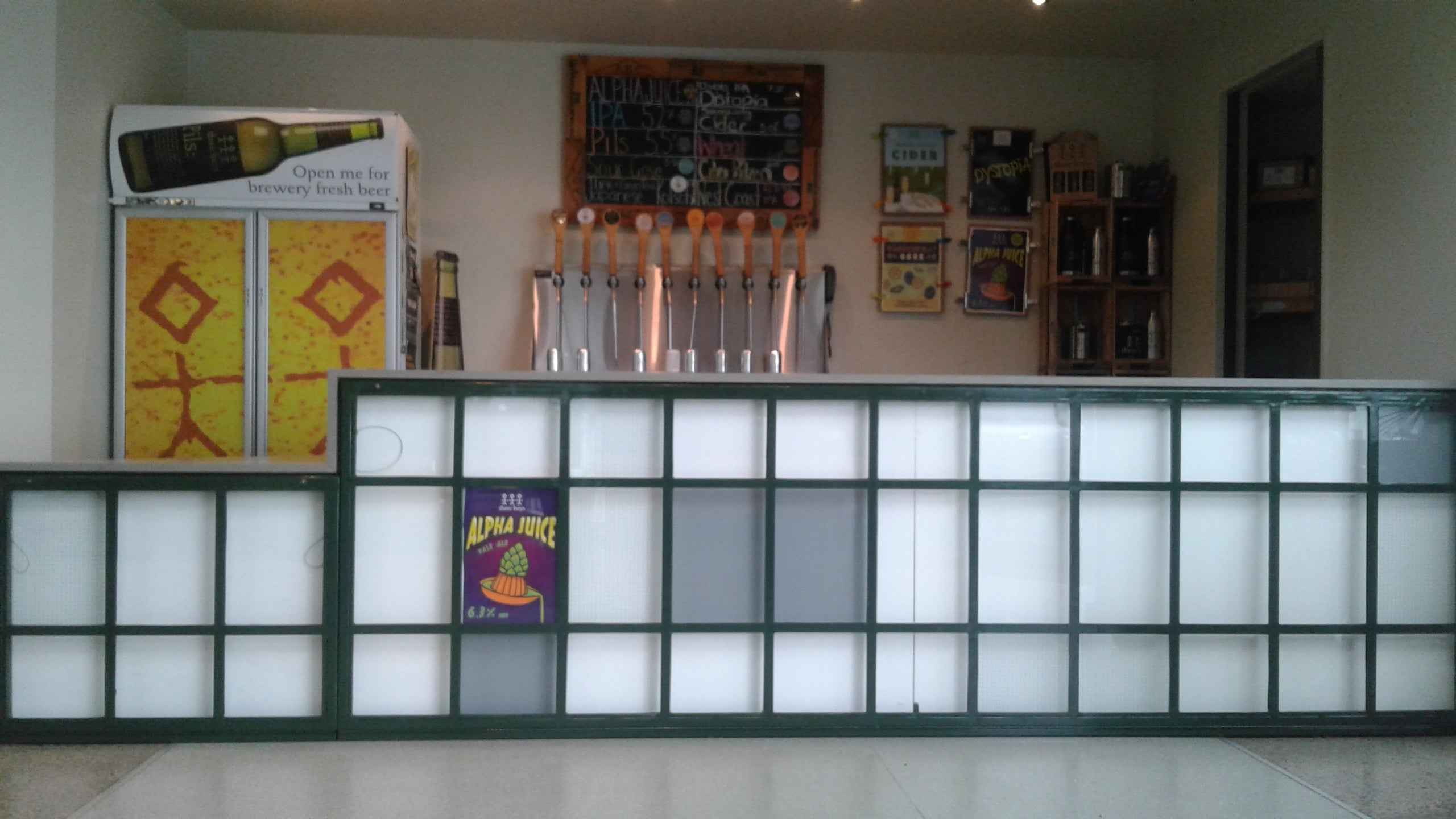 three boys brewery interior fitout bar