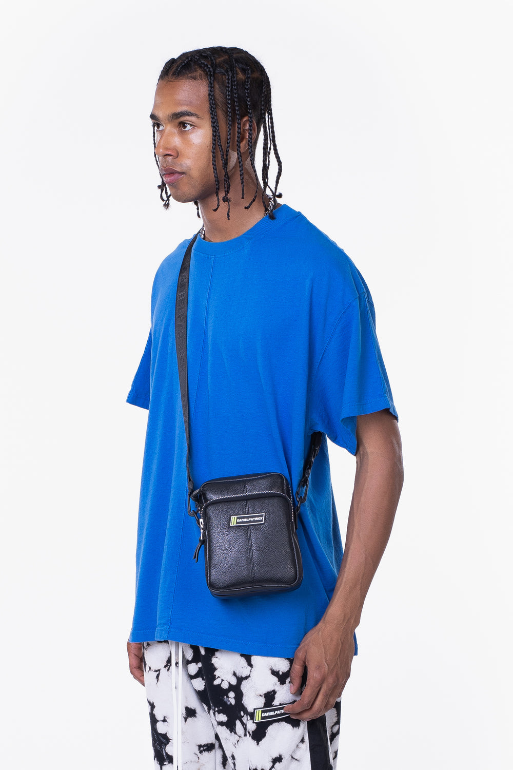 DP shoulder bag / black