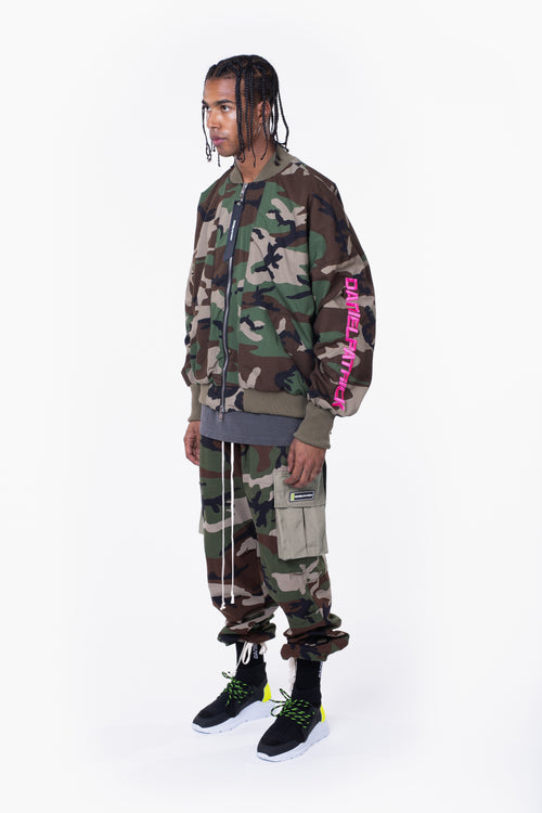 DP embroidered sleeve bomber / camo + pink