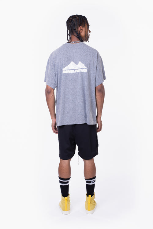 moving mountains tee / heather grey