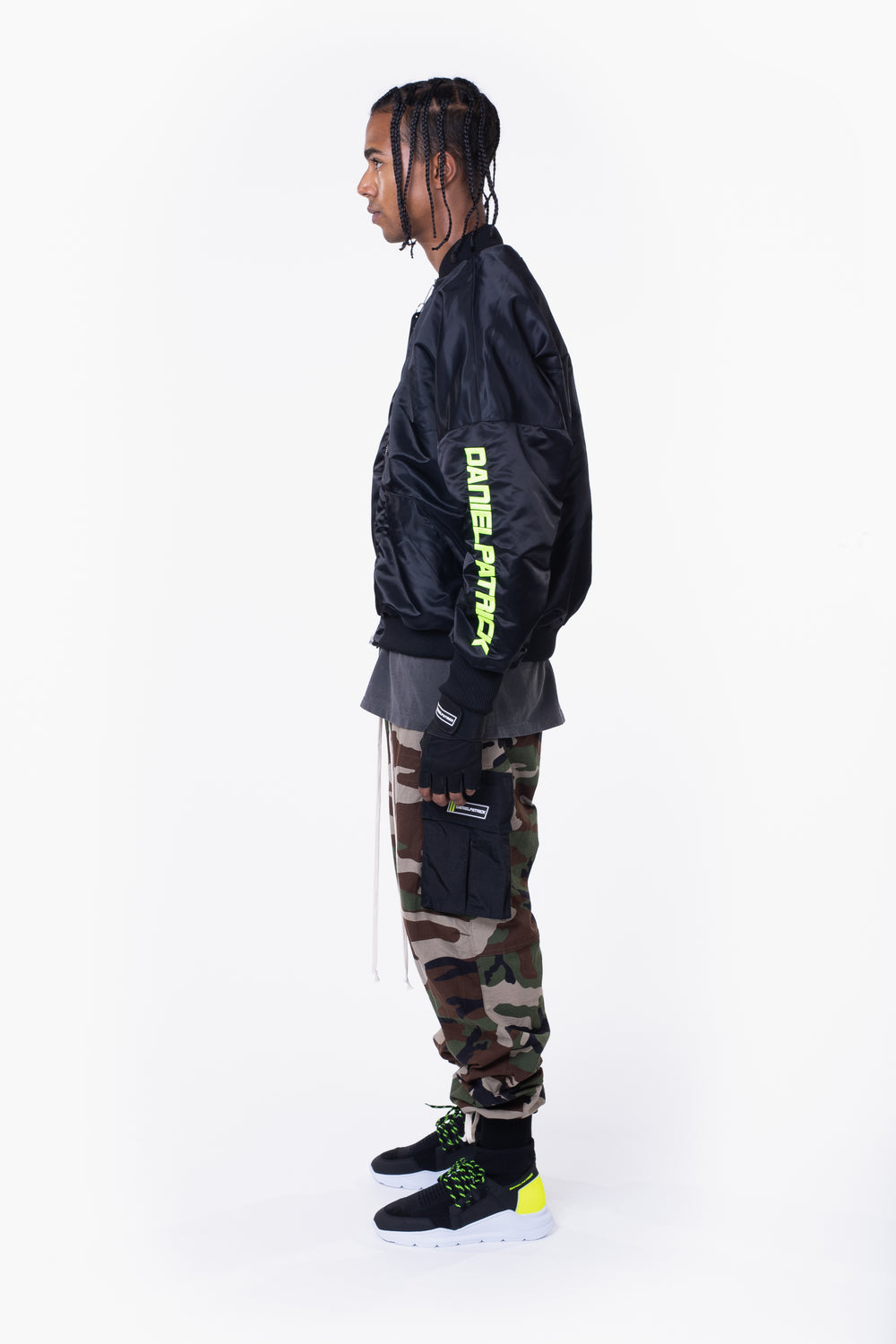 DP embroidered sleeve bomber / black + neon