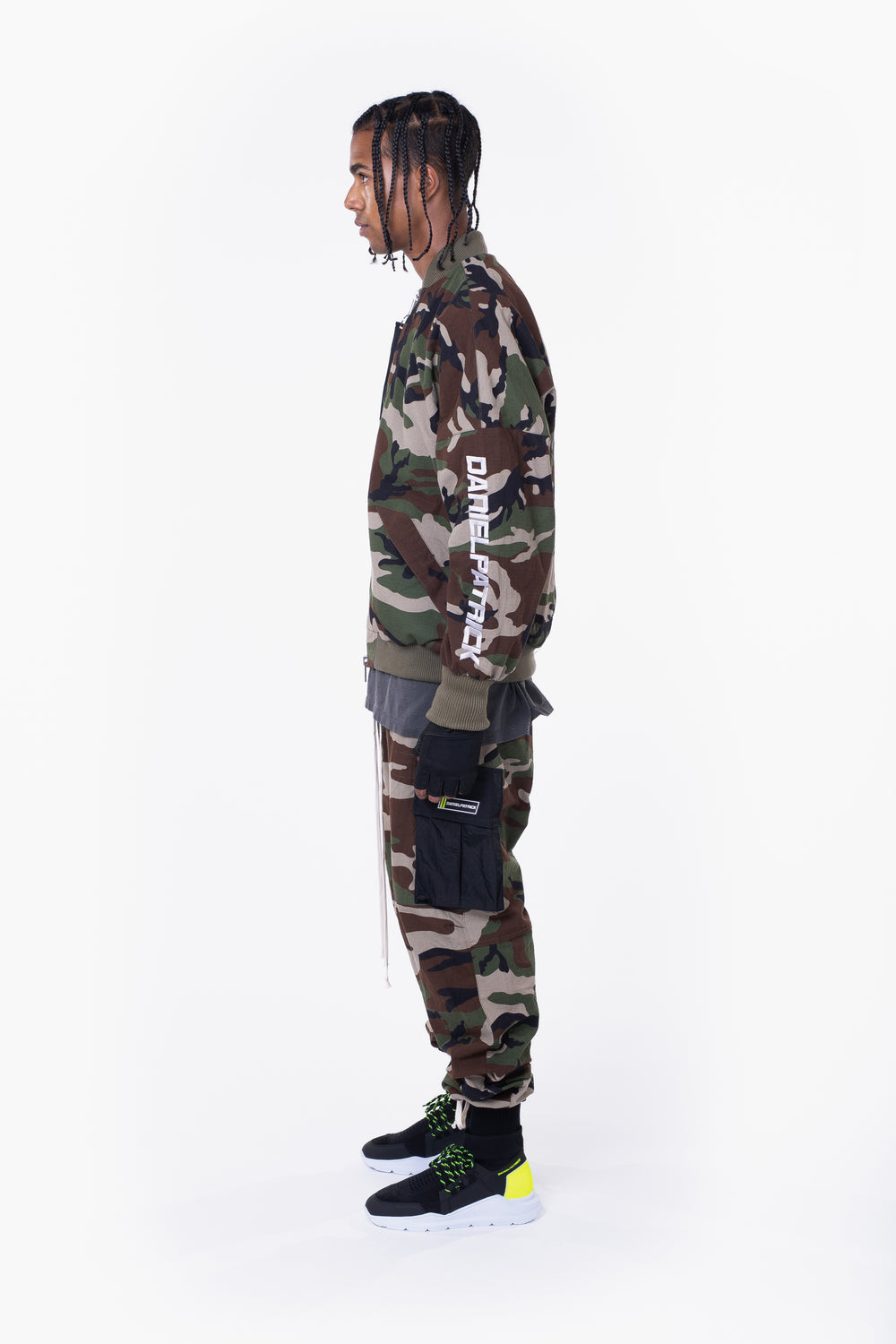 DP embroidered sleeve bomber / camo + grey