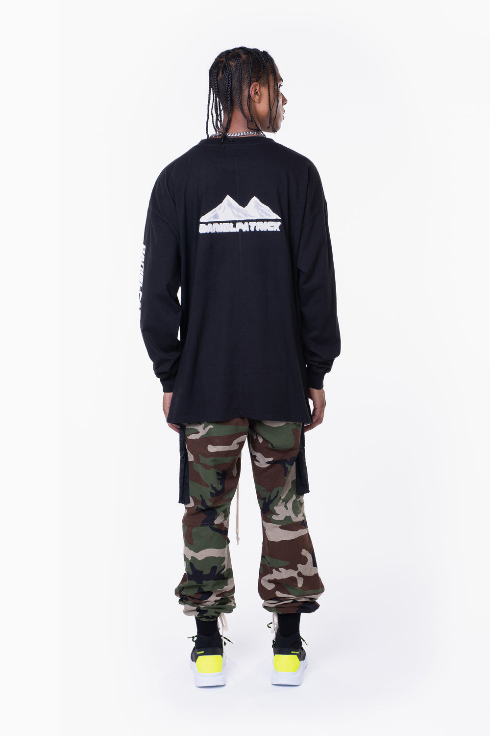 moving mountains l/s tee / black