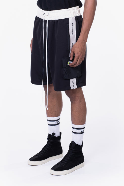 cargo gym short / black + ivory