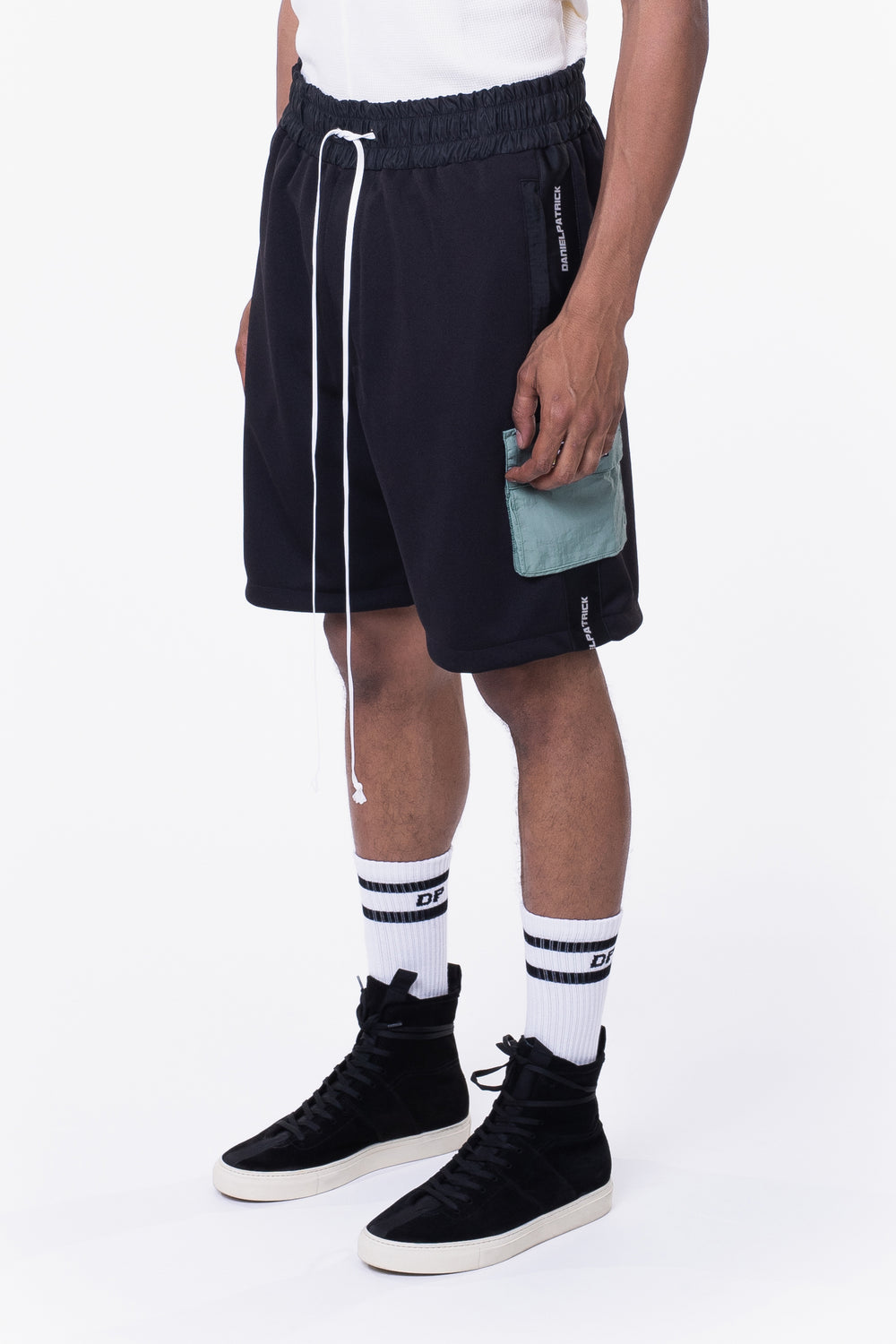 cargo gym short / black + sea foam