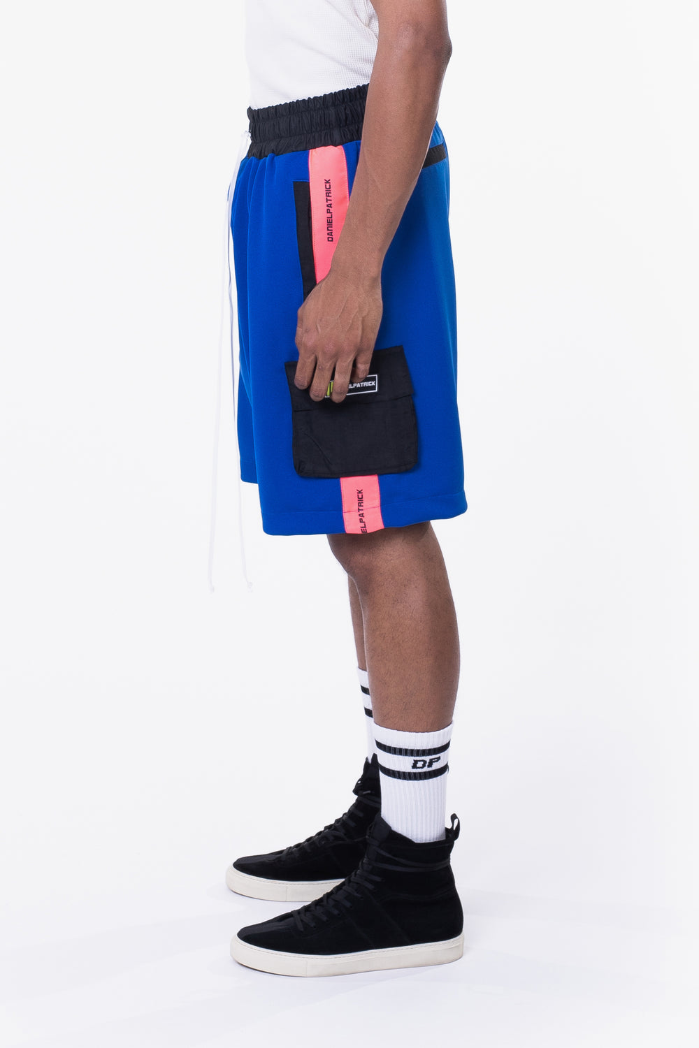 cargo gym short / cobalt + neon pink + black
