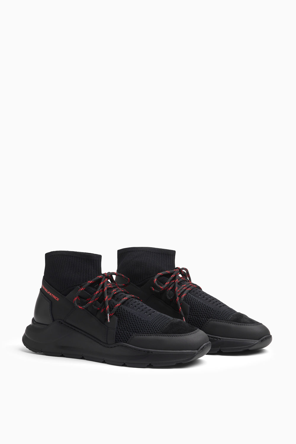 concept sock runner in black/red by daniel patrick