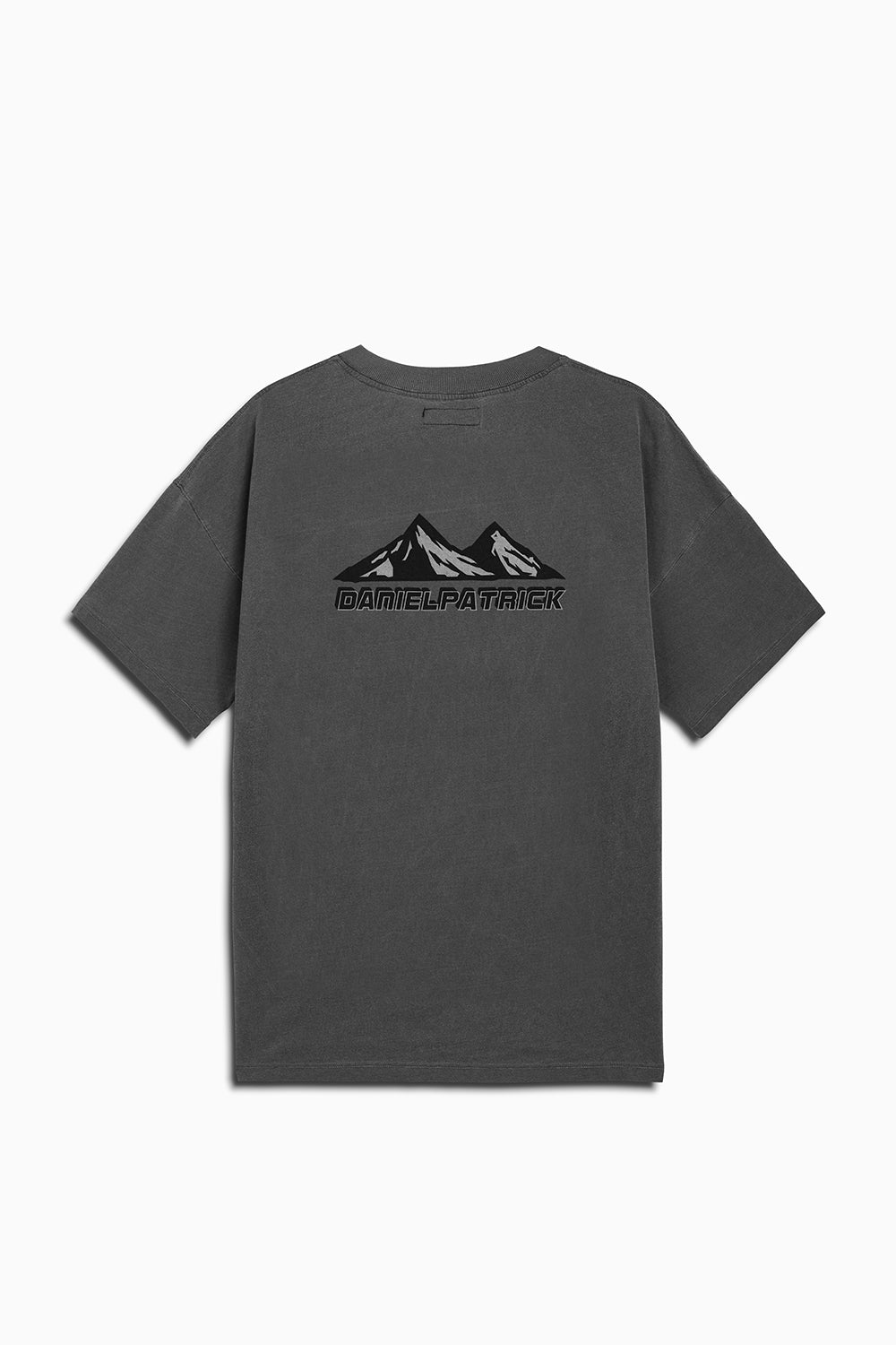 moving mountains tee in vintage black by daniel patrick