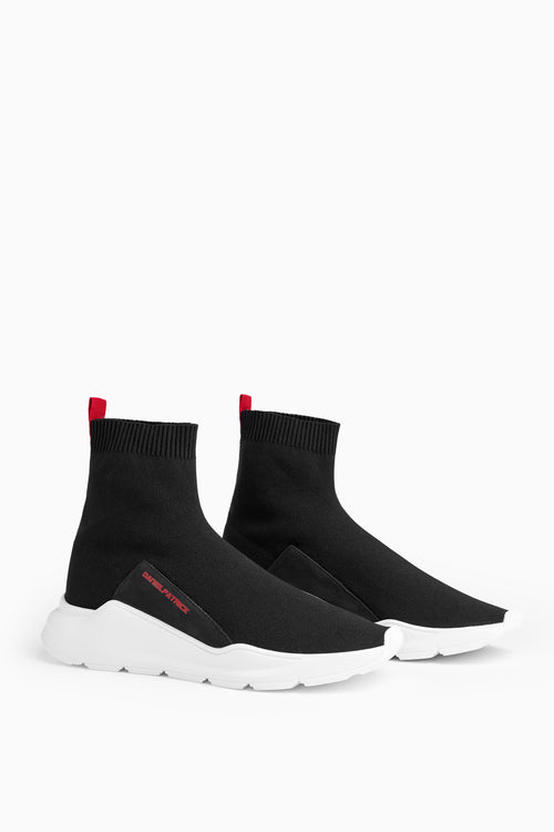 sock runner in black/red by daniel patrick