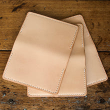 Load image into Gallery viewer, Card Wallet - Tärnsjö Natural Veg Tanned Leather