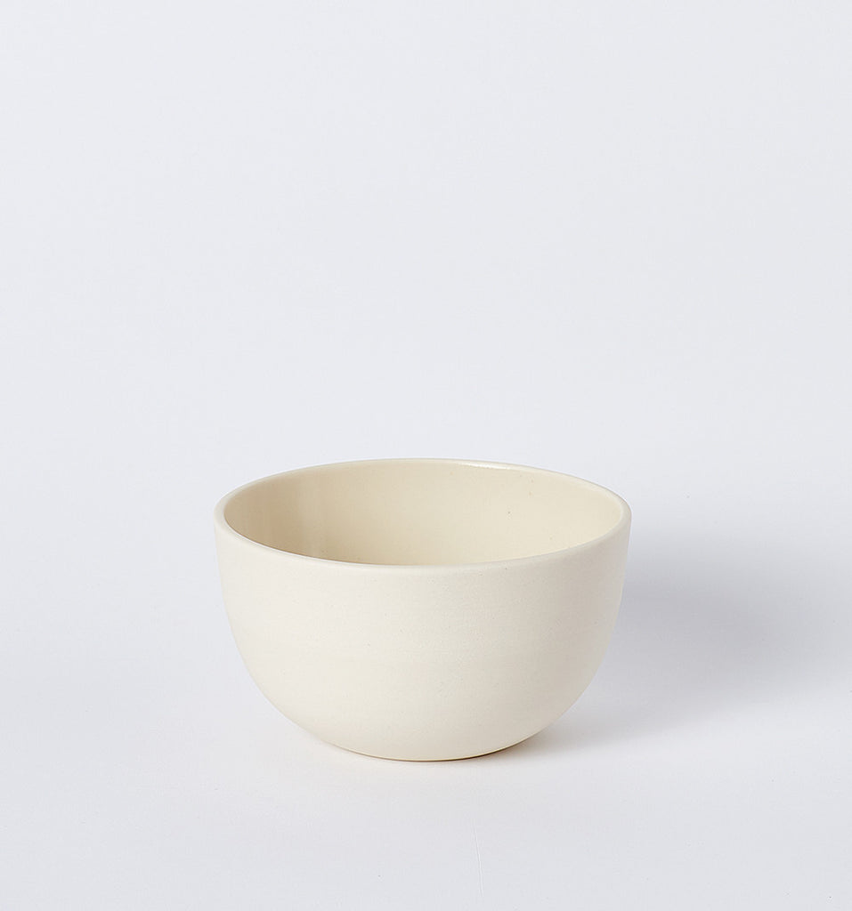 pigeon toe porcelain soup bowl