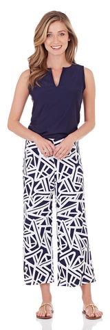 Makenzie Wide Leg Cropped Pant in Abstract Geo Navy