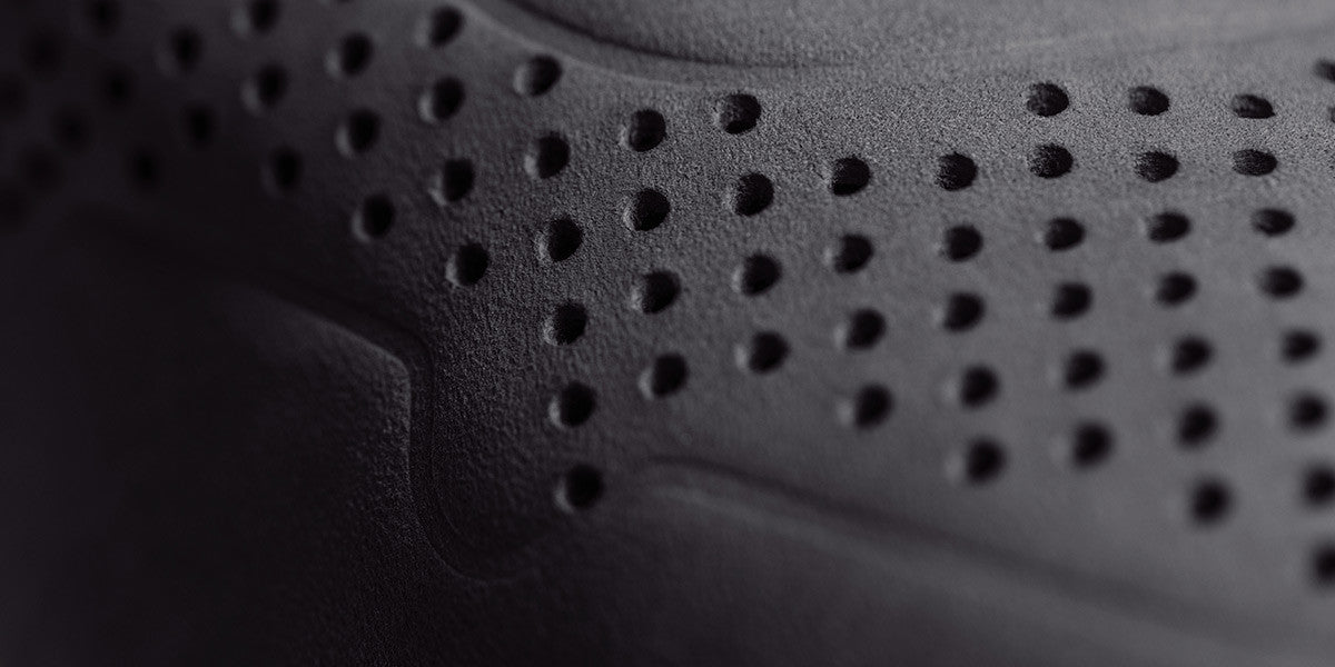 The Rosen Perforated - Nero