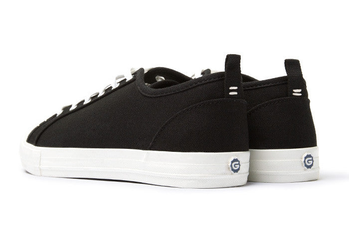 The Wilson - Black // White Sole