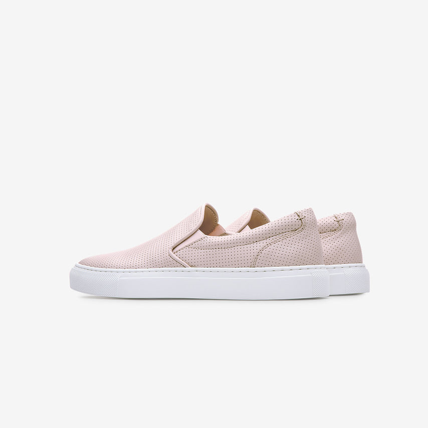 greats the wooster blush perforated leather women s shoe greats