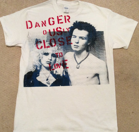 Sid Vicious and Nancy Dangerously Close to Love Punk T-shirt -