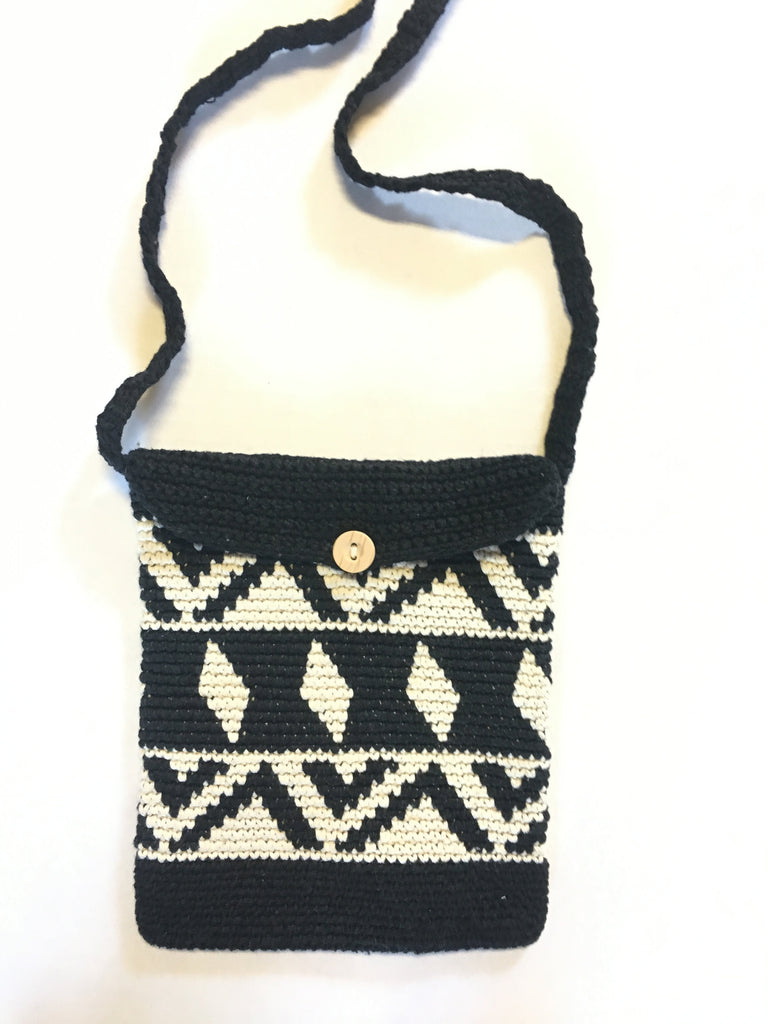 Vintage crochet crossbody bag