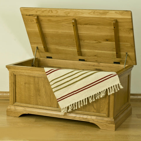 Montpelier Oak Blanket Box