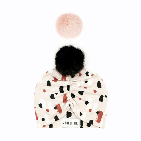 MARCO Frilly Beanie (optional color of the pom pom)