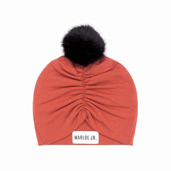 TONI Frilly Beanie (optional color of the pom pom)