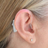 Simple Ear® Advanced, hearing aid, behind the ear hearing device, silver, behind ear view