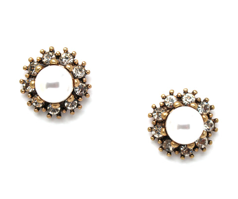 Pearl Elegance Stud Earrings