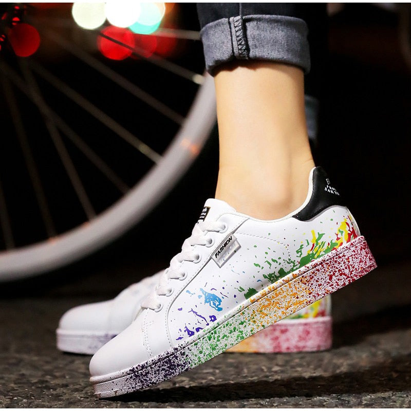 New Style Flat Lace-up Colorful Graffiti Platform Sneakers