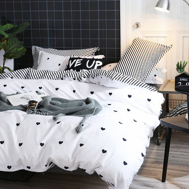 Black and White King Size Heart Printed Bedding Set