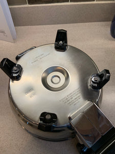 ONLY 1 AVAILABLE - 3Qt. Liquid Core Electric Saucepan w/ Vented Lid USA - Reconditioned