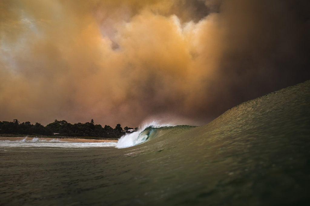 Australian bush fires on the south east coast of NSW and a wave